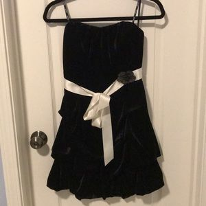 Xoxo strapless black prom dress